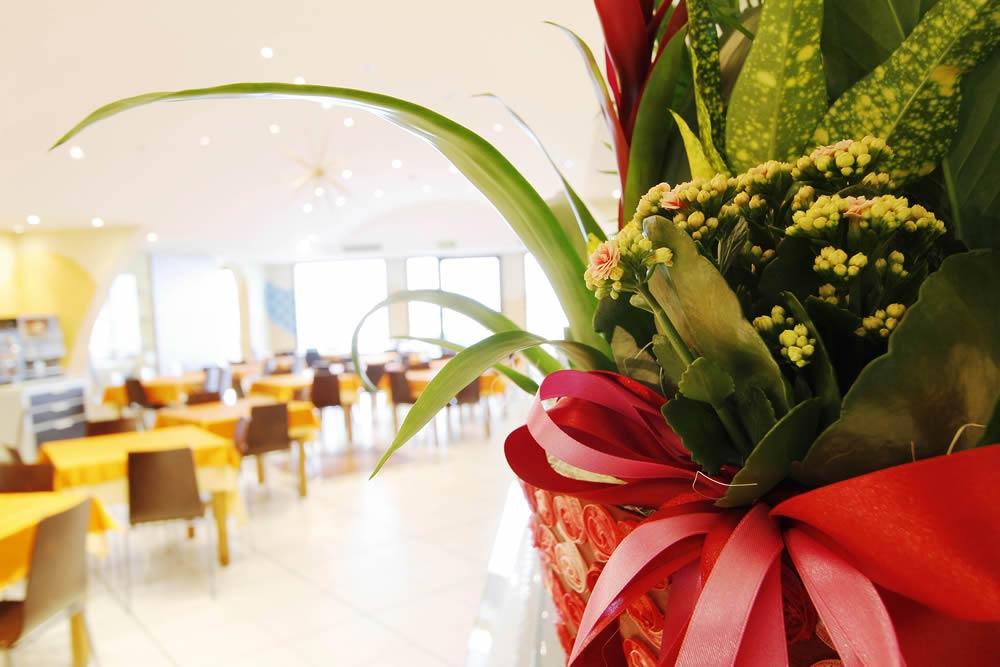 Hotel in cesenatico mit miniclub restaurant und hotelparkplatz